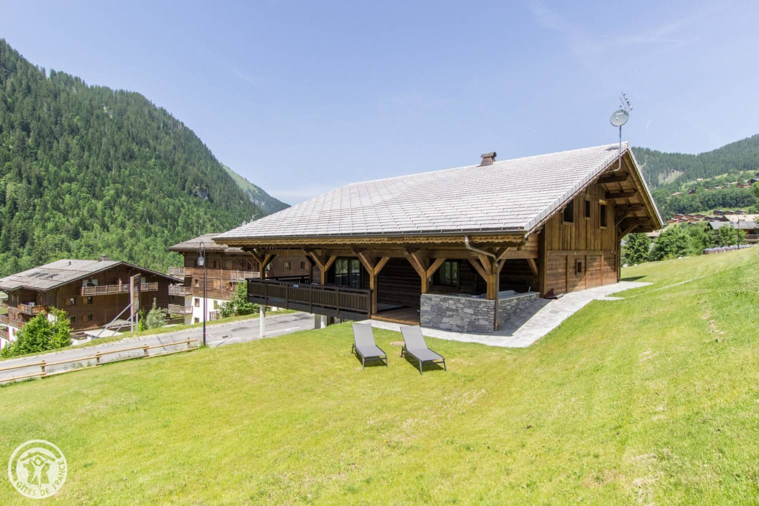 Chalet Chante Merle Home